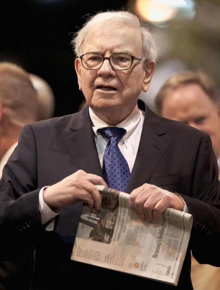 Buffett's wealth soared $37 million a day in 2013